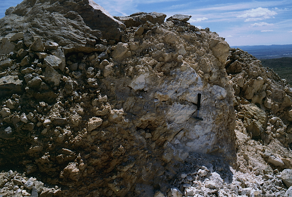 carbonate melt rock outcrop Buena Rubielos impact