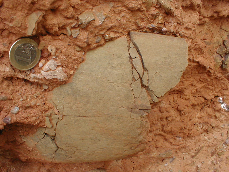 unter Druck fragmentierte Komponente im Tertiär von Daroca